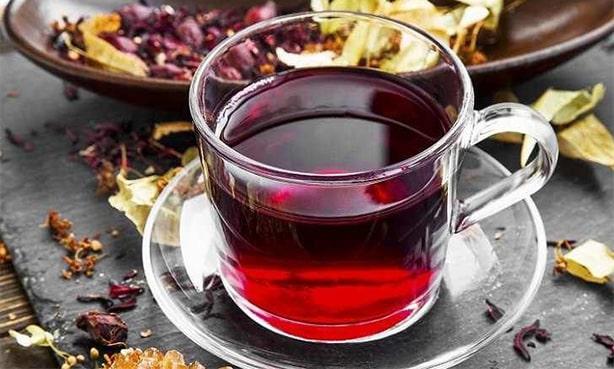Чай Каркаде в чашке