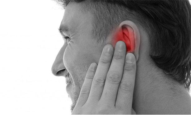 Боль в области уха