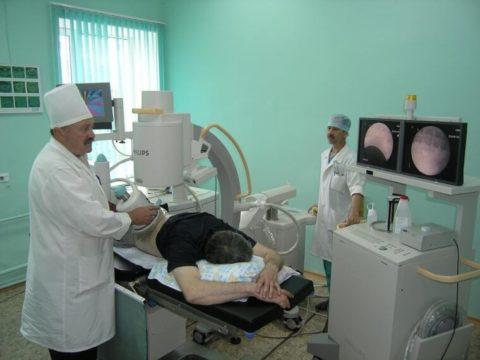 Дробление конкрементов ультразвуком используют при их наличии в органах мочевыводящей и пищеварительной системы.