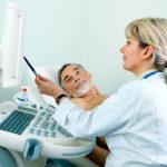 Если пациент волнуется, специалист может комментировать то, что он видит на мониторе