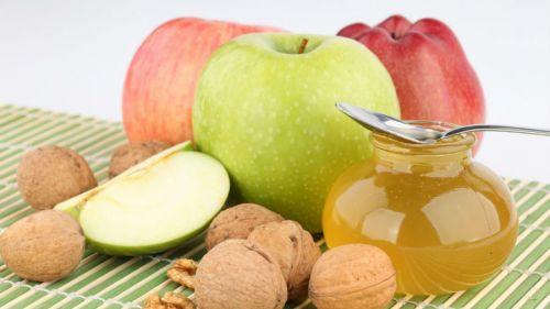 Яблоки, орехи и мед