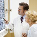 Изменения можно обнаружить на МРТ или КТ