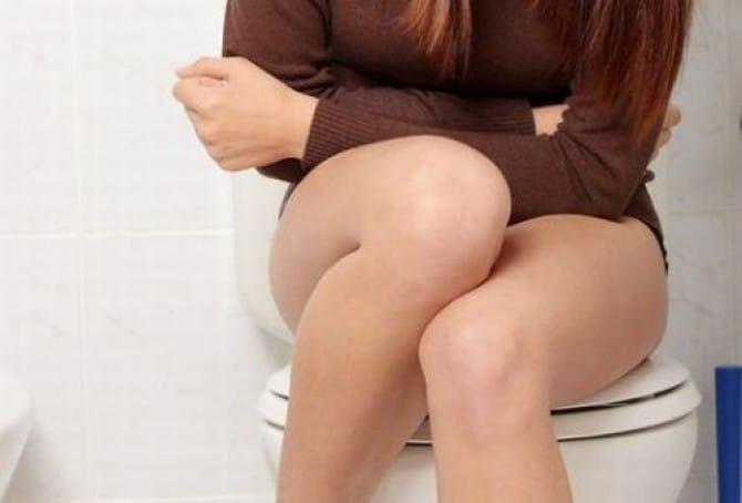 Острый цистит сопровождается резями во время опорожнения.
