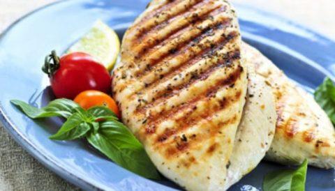 Легкая корочка на готовом блюде из мяса