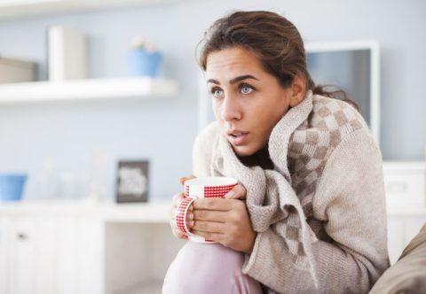 Лихорадка с ознобом и боли в пояснице – основные признаки инфицирования почек