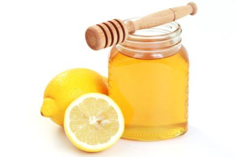 Настойка из меда и лимонного сока.