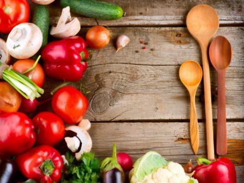 Овощи и блюда из них при цистите станут хорошей основой рациона за счет невысокого содержания белков и жиров.