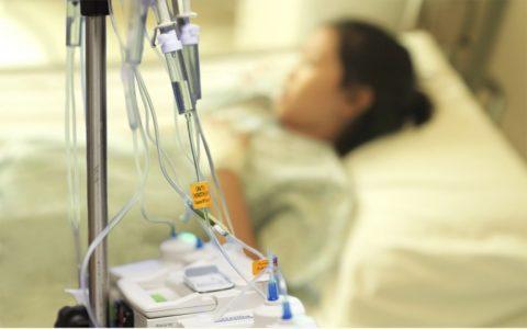 Пациентов с тяжелыми осложнениями приходится госпитализировать