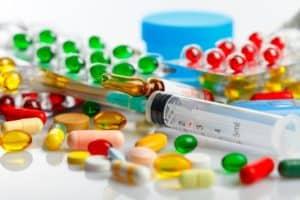При наличии инфекционных или соматических недугов проводится их лечение.