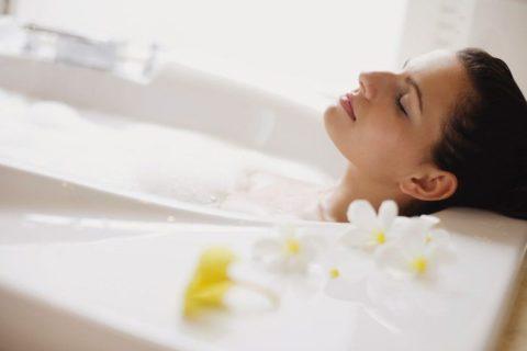 Ванна с цветочным экстрактом