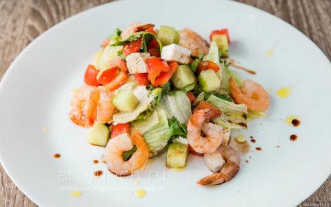 Вкусные салаты разнообразят диетический стол