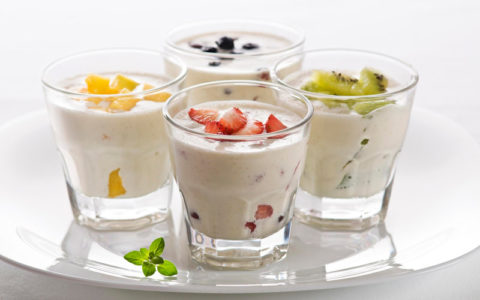 Йогурт, особенно домашний, это сбалансированный по всем параметрам перекус