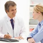 Заболеваниями почек занимается нефролог
